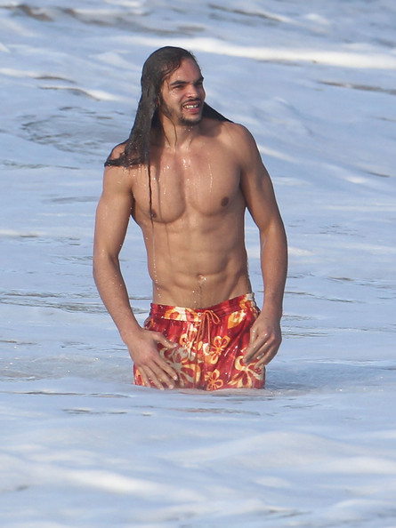 joakim-noah-nude-beach-physical-exam