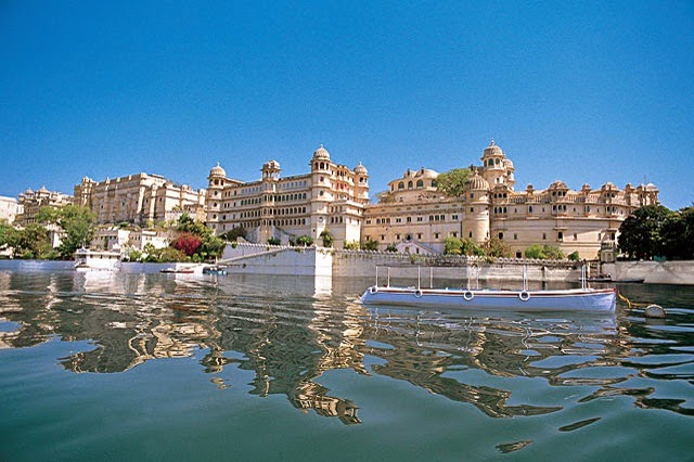 Shiv Niwas Palace Udaipur Rajasthan - Best Heritage hotel of Udaipur stand witnesses to erstwhile glory of the royal era in Rajasthan.