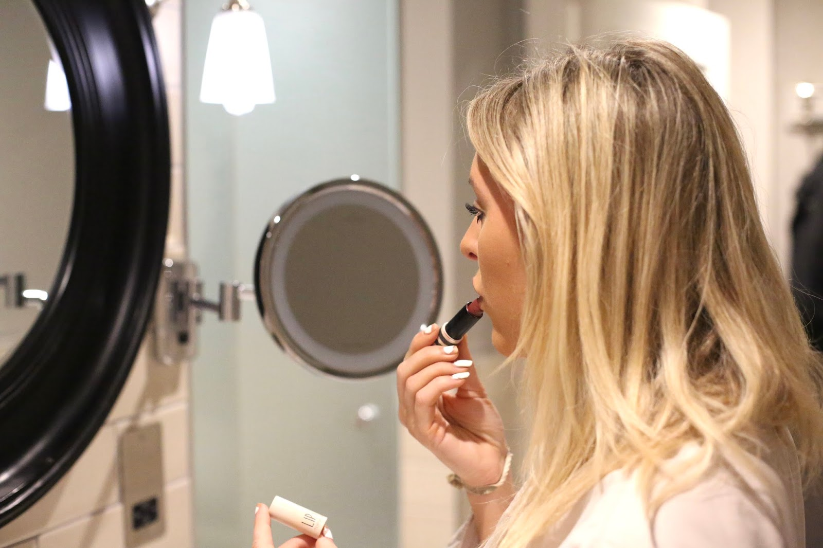 make up in mirror