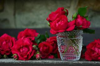 Red rose: Homemade scrub for face
