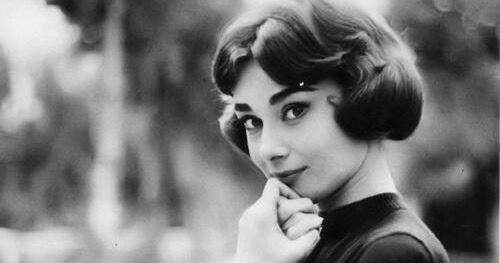 Audrey-Hepburn-1957..j...