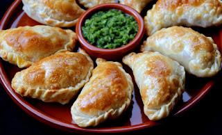 http://laylita.com/recipes/2008/03/03/mushroom-cheese-empanadas/