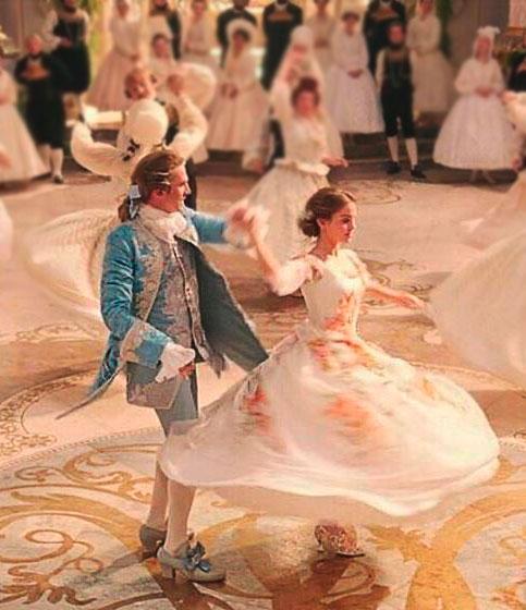 Vestido Bela e a Fera Cena final