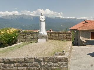 Mulazzo has a monument to the poet Dante Alighieri