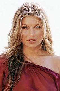 فيرغي (Fergie)، مغنية أمريكية
