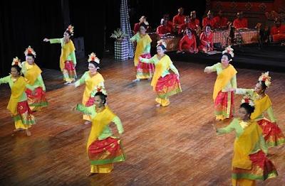 """Tari Puspanjali Tarian Kreasi Baru """"Potensi Wisata"""" Pulau Bali"""