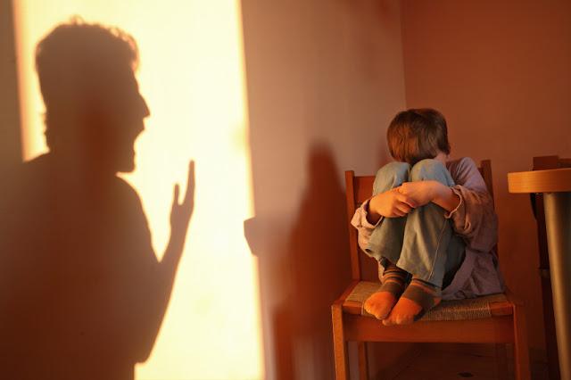 تأثير الخلافات الأسرية على التحصيل الدراسي والحلول الواجب اتباعها
