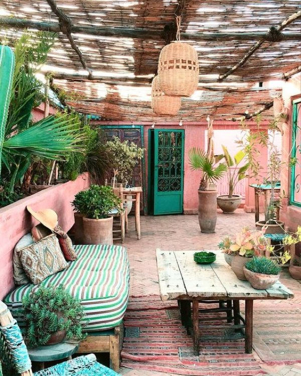 Pink and green outdoor oasis- design addict mom
