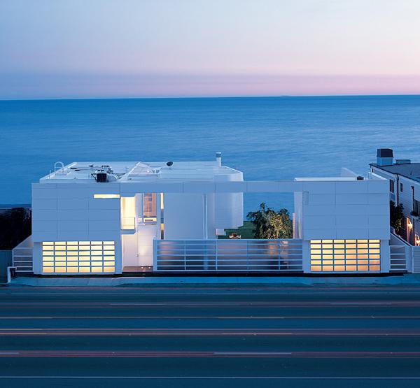 Beautiful Beach House Interiors: House Landscape Design: Luxury Oceanfront Beach House