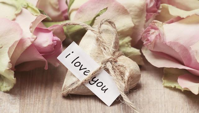Puisi Cinta Romantis Yang Menyentuh Hati Sedih