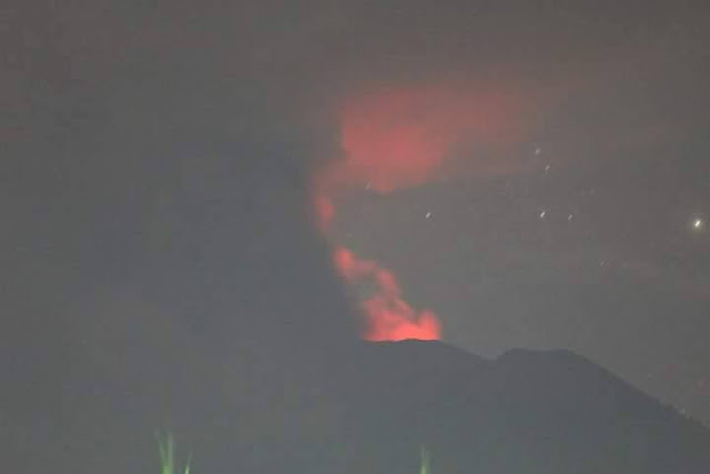 Lava flare at the peak when Mount Agung Bali erupted