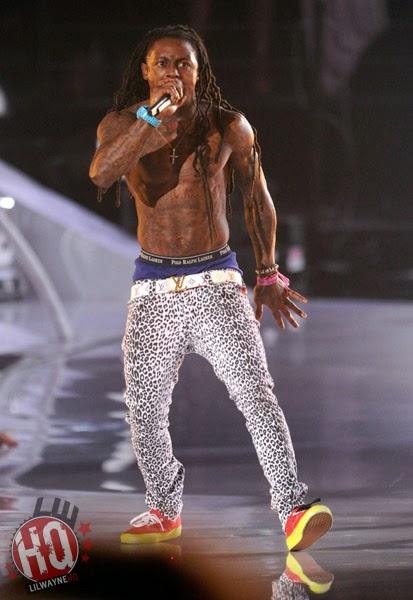 Celeb Saggers: Lil Wayne Sagging in Leopard Print Skinny Jeans