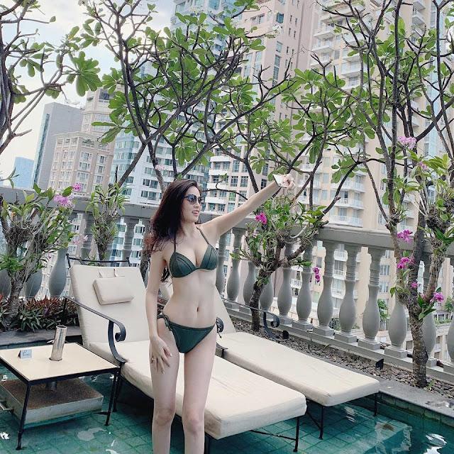 """""""Thánh nữ Mì Gõ"""" bị nghi lộ clip nóng Phi Huyền Trang từng có thời ngực xẹp lép trước khi sở hữu body bốc lửa"""