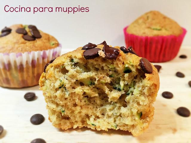 "alt=""muffins integtales con calabacín"""