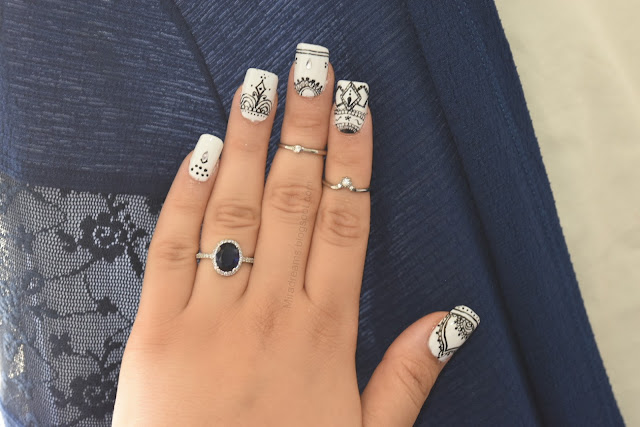 Mandala nail art en étapes ... On ose le blanc?