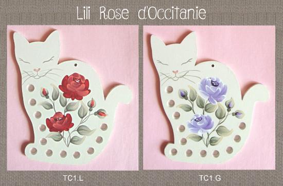 Tri-fils bois peint, silhouette chat ornée de fleurs. Couleurs au choix. Broderie et point de croix