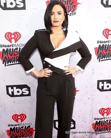 Demi Lovato 2016 instagram