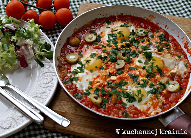 Szakszuka -  Jajka sadzone w pomidorach