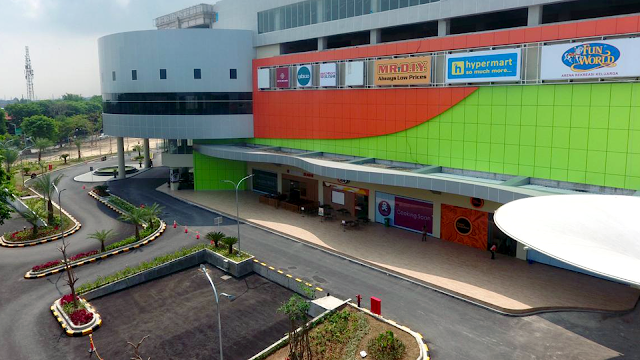 Foto Lobi Utama Gress Mall Gresik