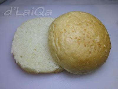 belah roti menjadi dua bagian