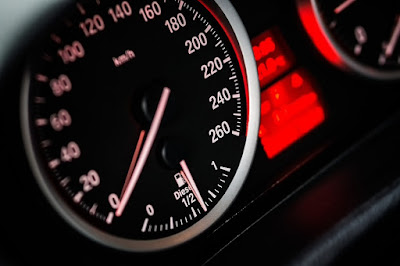Do you know the numbers on the distance you can reach your car after you see a fuel-saving indicator?