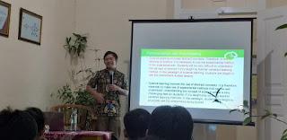Pemaparan Jurnal Ilmiah oleh Pak Agung Pambudi