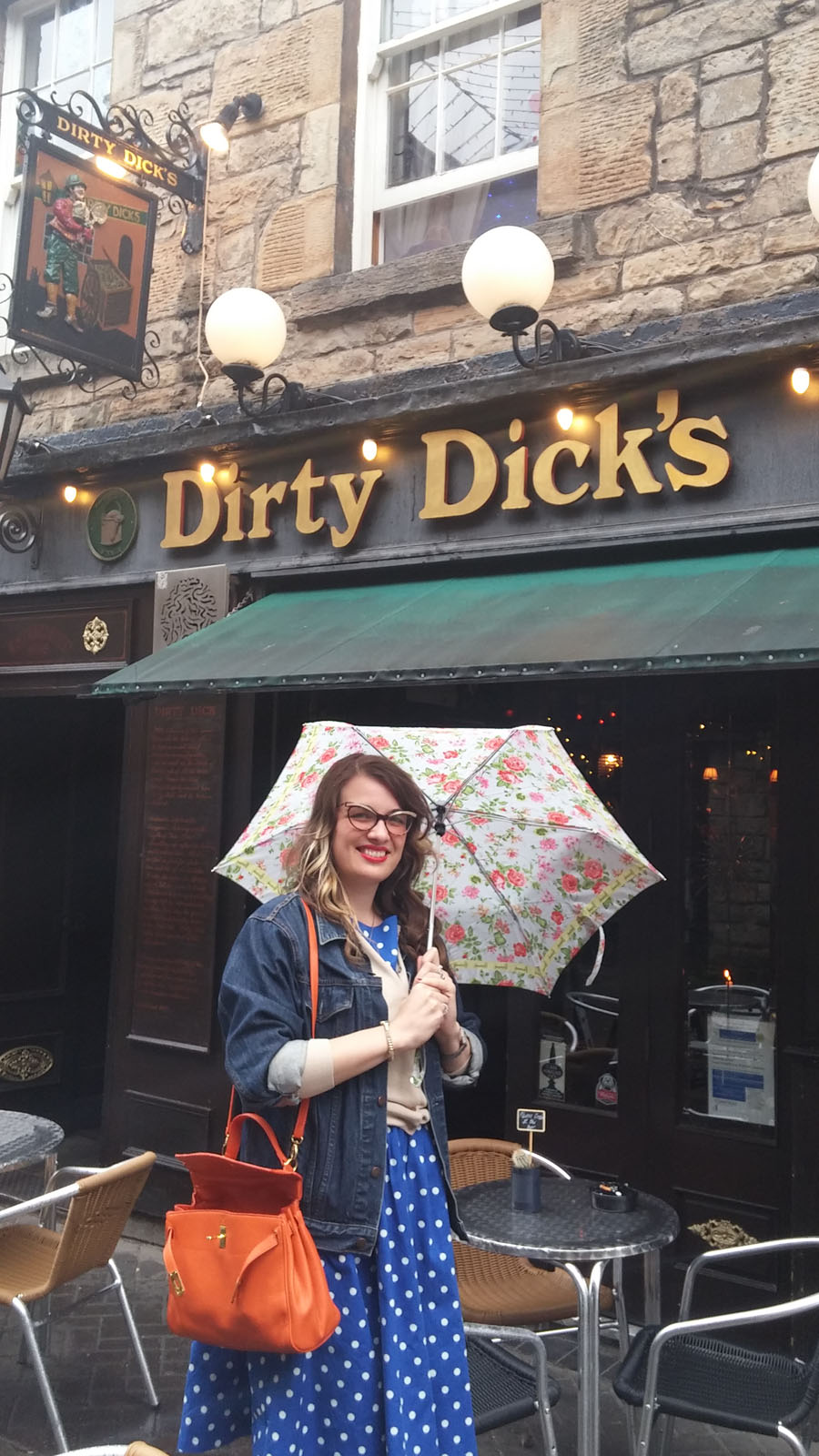 Dirty Dick's Edinburgh travel blogger
