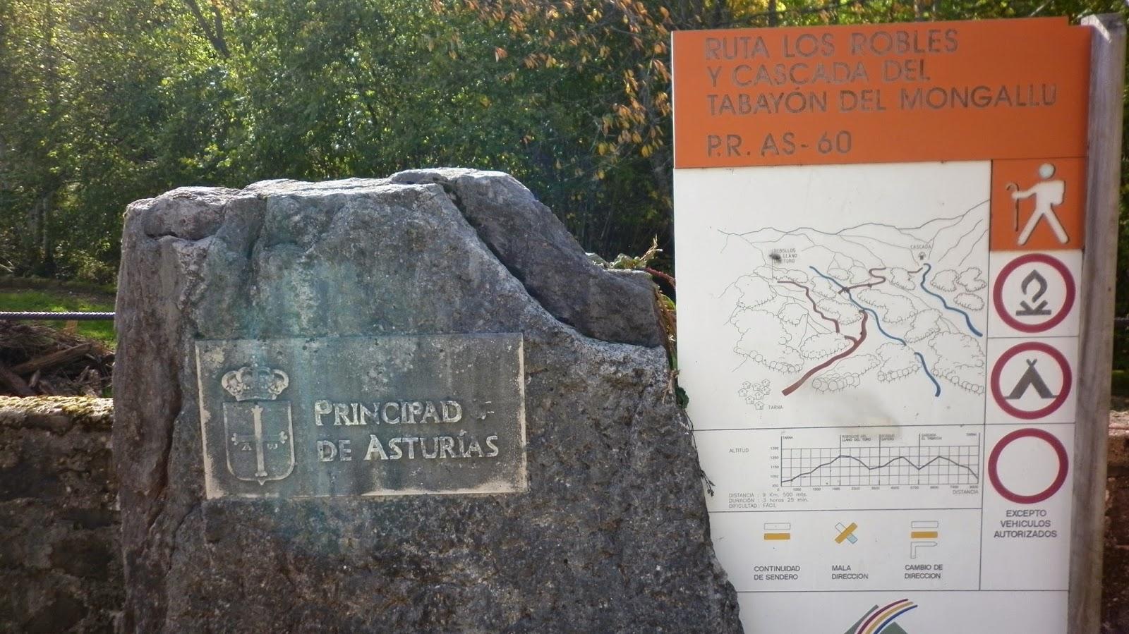 carteles indicativos en la ruta al Tabayón del Mongayo.