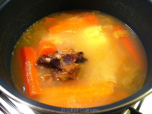 caldo de jamon y verduras para sopa