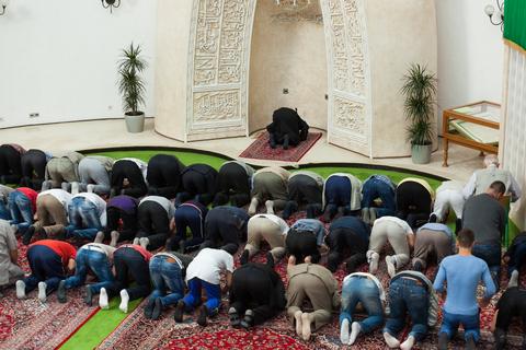 Kesalahan-kesalahan Shalat Berjamaah di Mesjid yang Sering Tidak di Sadari