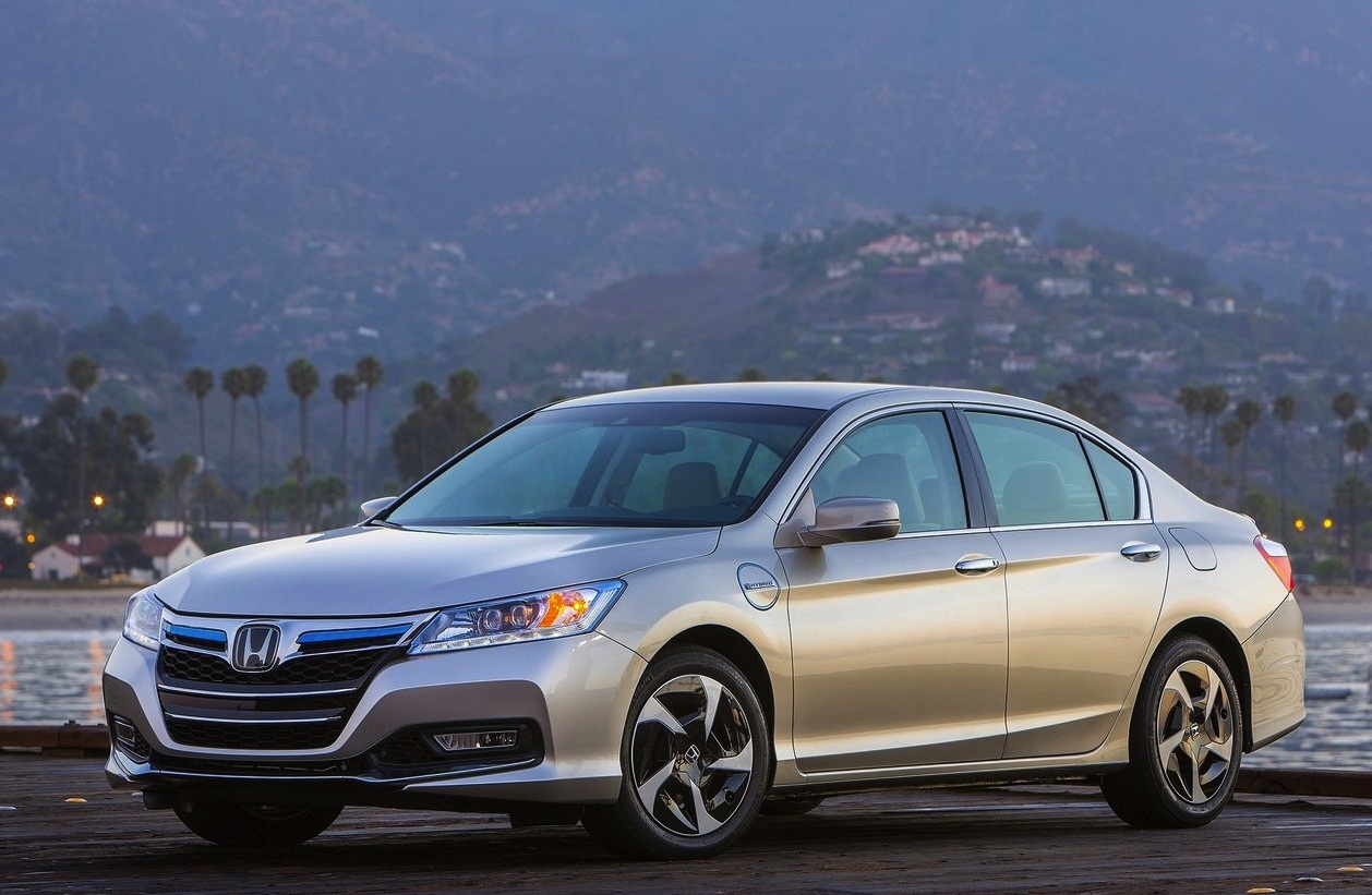 Honda Accord PHEV (2014) | Car Barn Sport