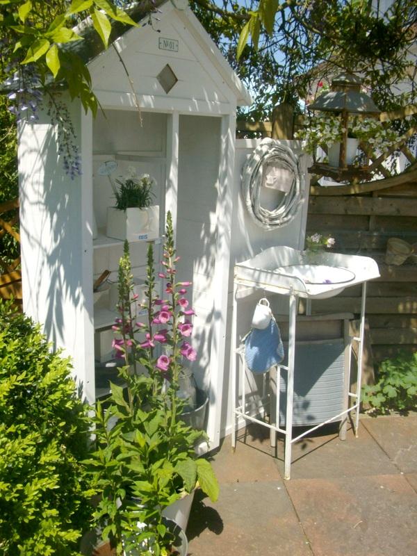 lille ting auf der terrasse. Black Bedroom Furniture Sets. Home Design Ideas