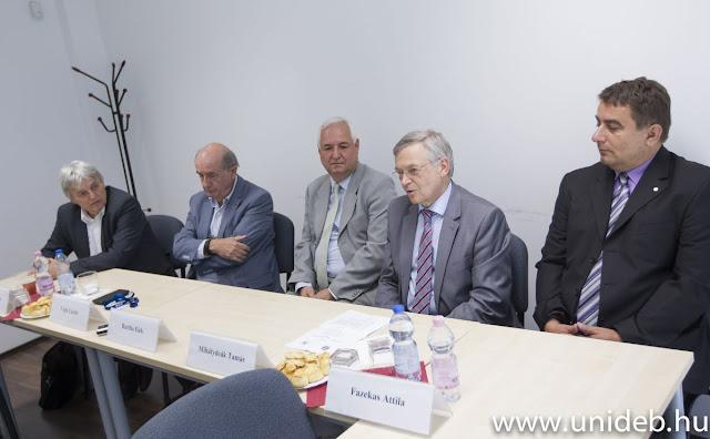 Mihálydeák Tamás, a Debreceni Egyetem Informatikai Karának dékánja rendkívül előremutatónak látja, hogy a BME mérnöki és a Debreceni Egyetem tudományegyetemi háttere találkozik az új kutatócsoportnak köszönhetően, az eltérő szemléletek a kutatás-fejlesztés új irányait nyithatják meg.