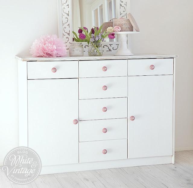 white vintage. Black Bedroom Furniture Sets. Home Design Ideas