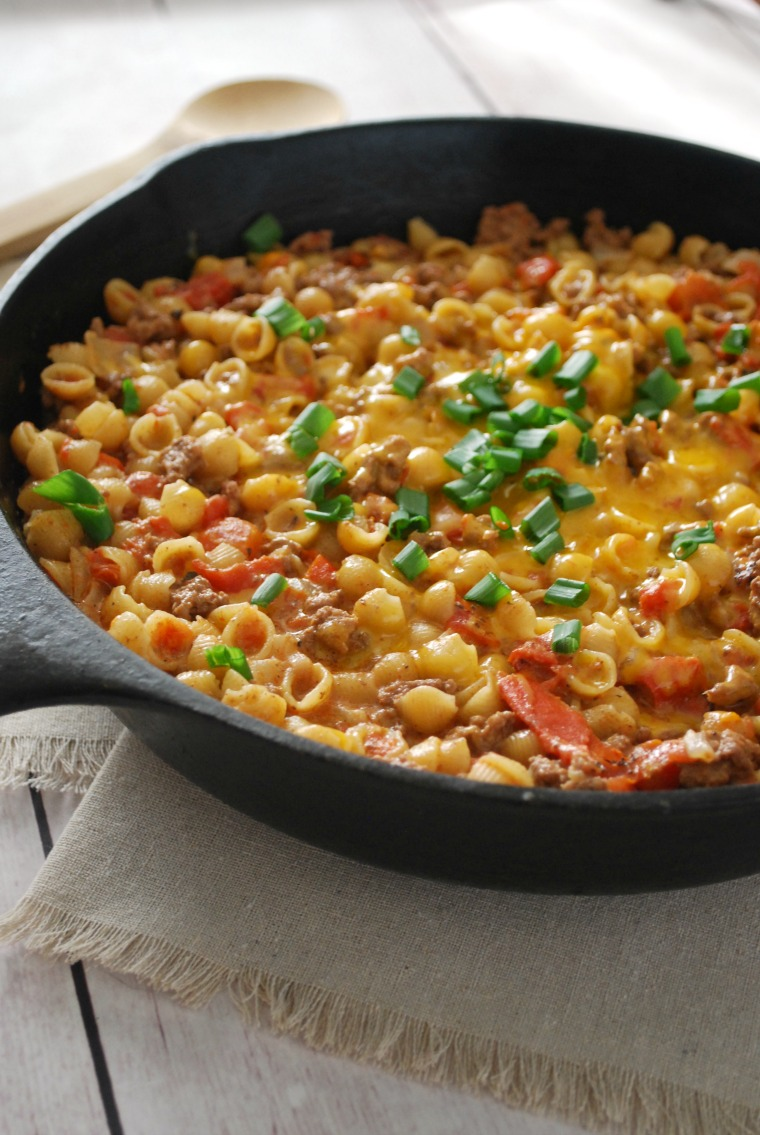 Cheeseburger Macaroni and Cheese Skillet Meal
