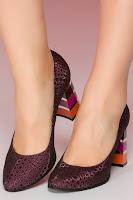 Pantofi mov cu imprimeu lucios cu toc in dungi multicolore •