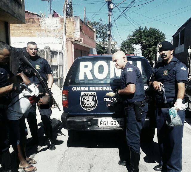 ROMU e ROMO de Santo André apreendem mais um traficante na Vila Suíça
