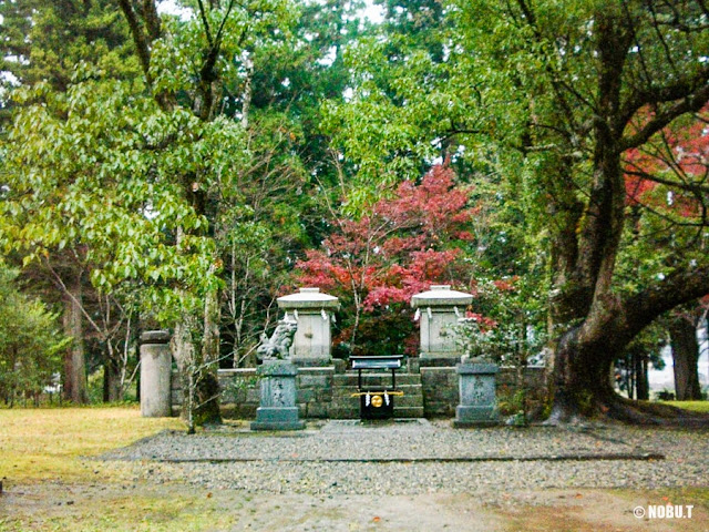 熊野本宮・旧社地「大斎原」の二基の石祠