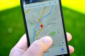strategi pemilihan lokasi bisnis perusahaan retail, alfamidi, giant, superindo