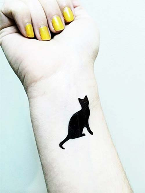 kara kedi bilek dövmesi black cat wrist tattoo