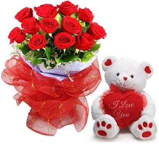 Bunga mawar merah dan boneka Teddy bear