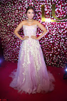 Hansika Motwani Sizzles in a Deep neck Sleevless Pink Gown at Zee Telugu Apsara Awards 2017 02.JPG