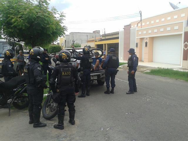 EM SOBRAL, DOIS HOMENS TENTARAM ASSALTAR UM POLICIAL E ACABARAM PRESOS NA MANHÃ DESTA SEGUNDA-FEIRA