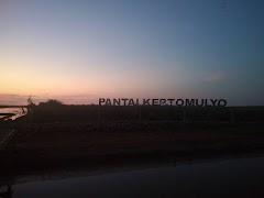 Pesona Sunset di Pantai Kertomulyo Trangkil Pati