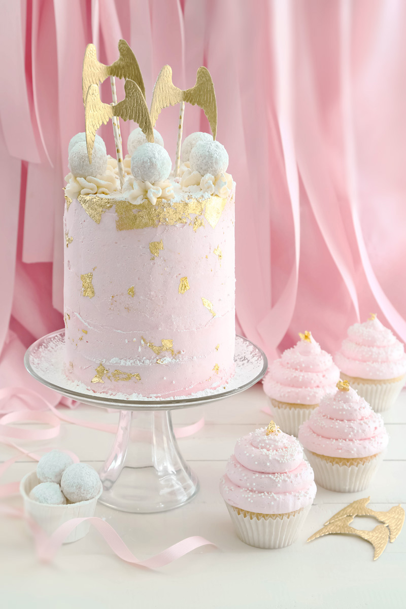 pink champagne cake pink champagne and gold leaf layer cake and cupcakes 6574