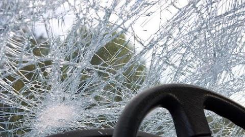 Egy teherautó és egy személyautó ütközött Kaposvár és Somogyaszaló között