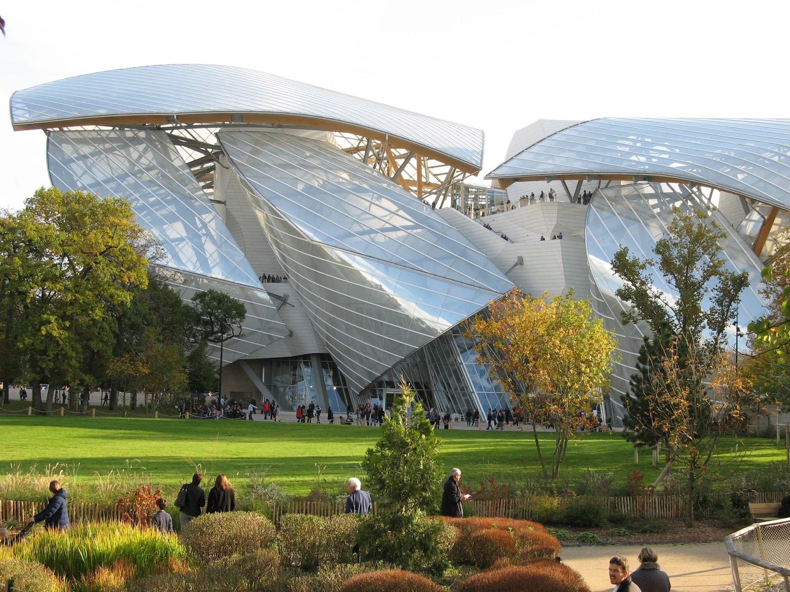 Hewlett packard enterprise la fondation louis vuitton - Musee en herbe jardin d acclimatation ...