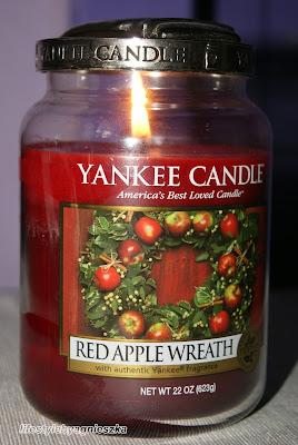 Yankee Candle - Red Apple Wreath poczujmy magię świąt