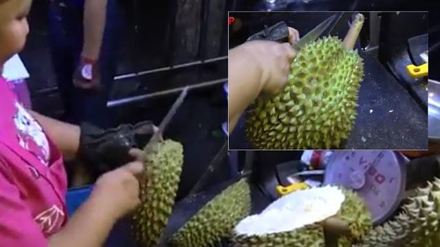 Cara Membelah Durian
