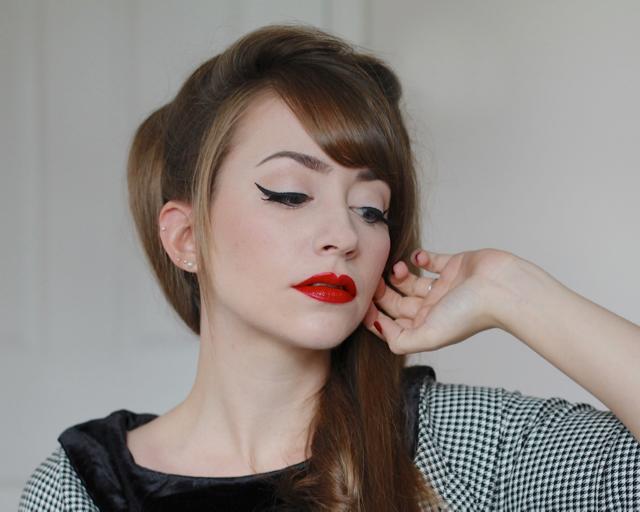 Maybelline Color Sensational Vivid Matte Liquid Lipstick in Rebel Red review